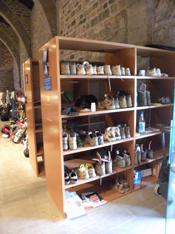 Roncesvalles 06 albergue 06 shoes