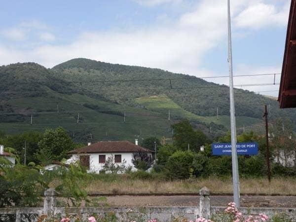 Camino frances de santiago stages guide the french way - Train biarritz to saint jean pied de port ...