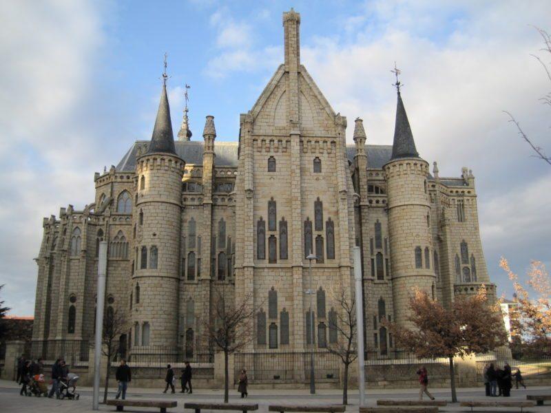 bishops-palace